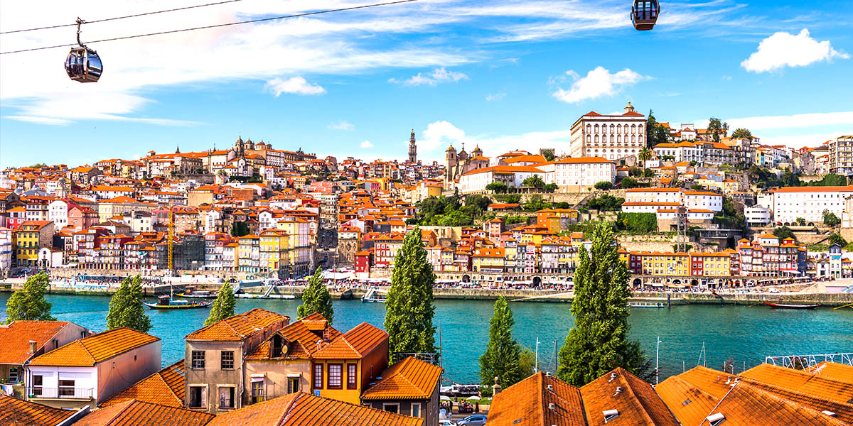 De oever van de Douro in Porto